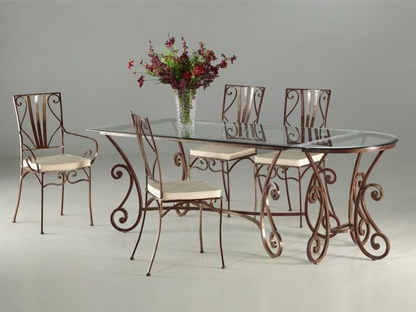 Table en verre fer forge et chaises ensemble de jardin for Ensemble table et chaise interieur