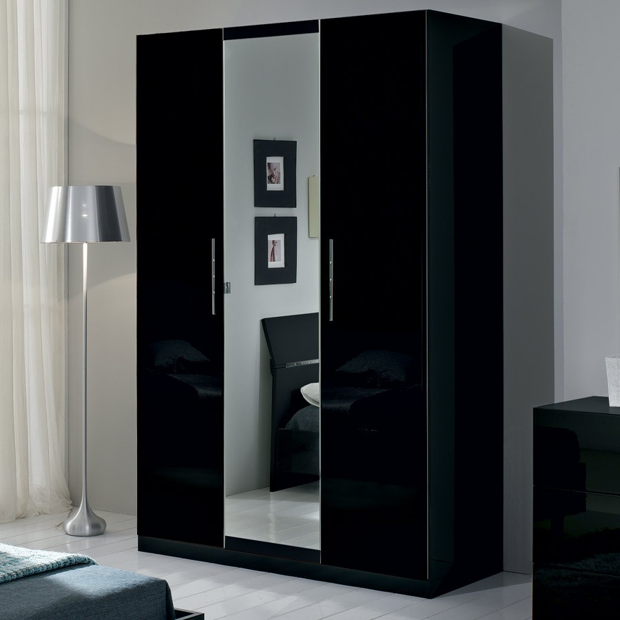 armoire chambre noir laque design d 39 int rieur et id es. Black Bedroom Furniture Sets. Home Design Ideas