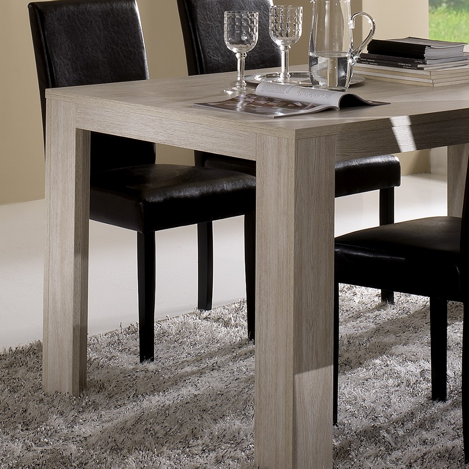 Table contemporaine chene clair for Salle a manger contemporaine gris clair