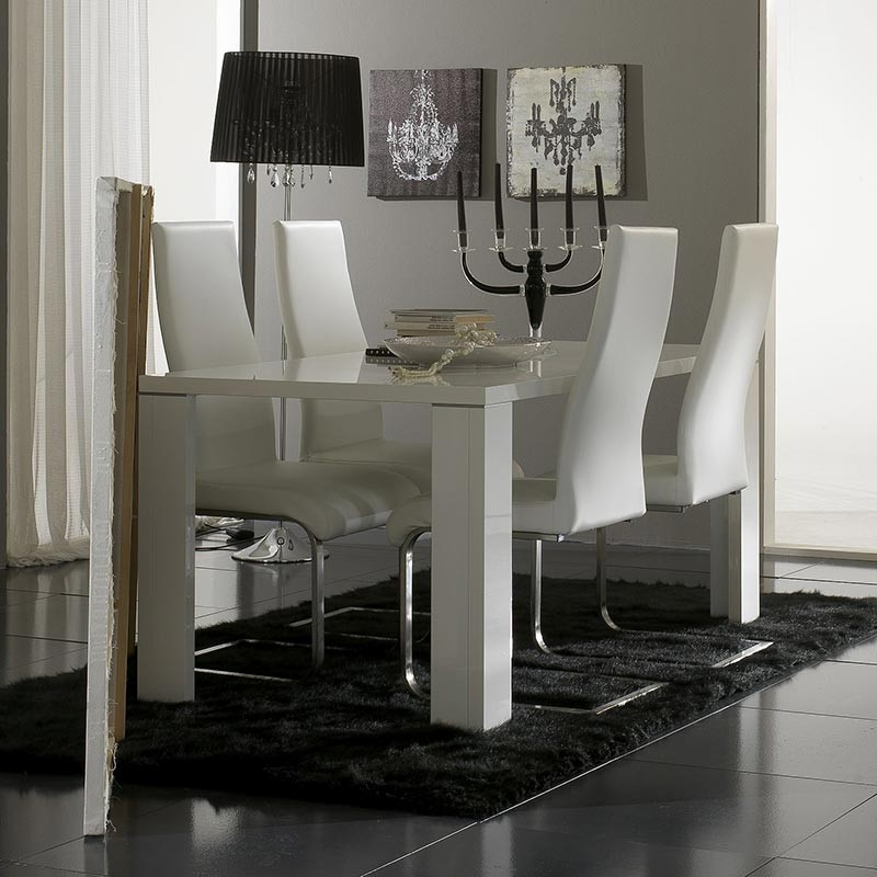 pin salle manger chaises pour table de salle manger. Black Bedroom Furniture Sets. Home Design Ideas